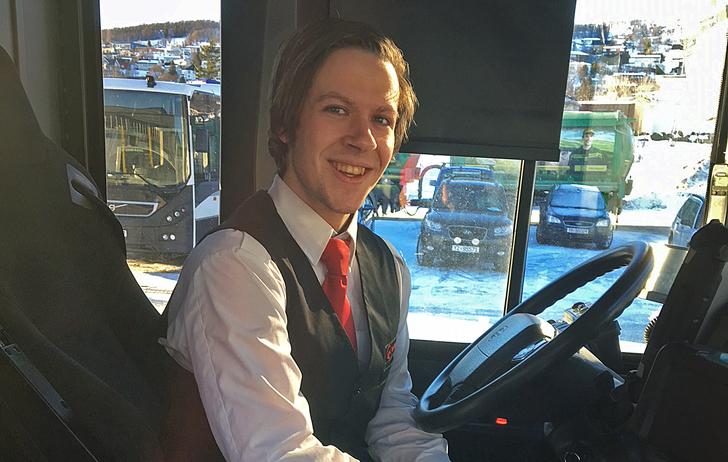 Bussjåførlærling Stian Johnsen.