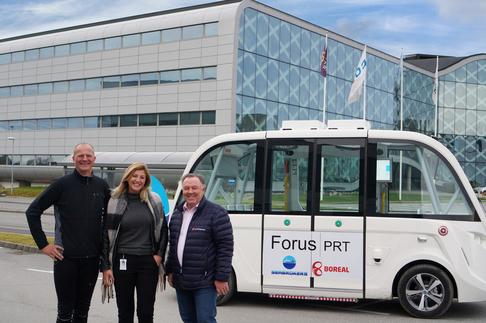 Ketil Solvik-Olsen, daglig leder Linn Terese Lohne Marken i Forus PRT og Seabrokers-leder Ragnvald Albretsen.